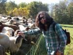 Sinan mit Schafen